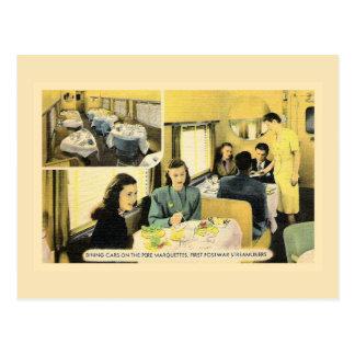 Vintages speisendes Auto auf streamliner Zug Postkarte