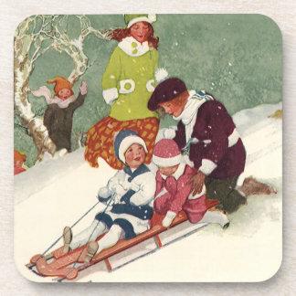 Vintages Weihnachten, Kinder, die im Schnee Drink Untersetzer