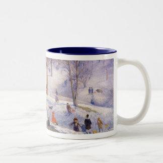 Vintages Weihnachten, Sledding, Central Park Zweifarbige Tasse
