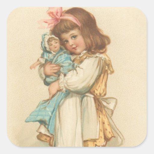 Vintages Weihnachtsgruß-Mädchen mit Puppe Quadrataufkleber
