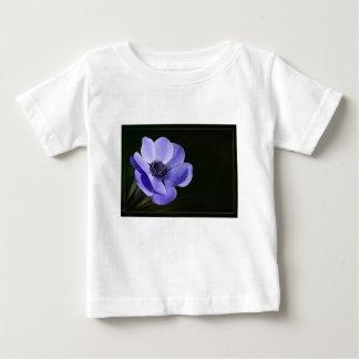 Violette Blume Baby T-shirt