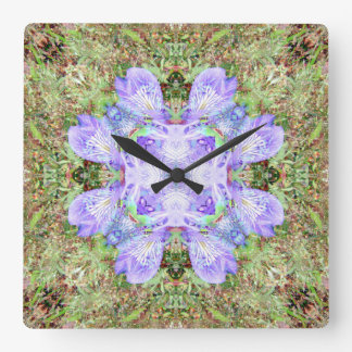 Violette Iris-Mandala Quadratische Wanduhr