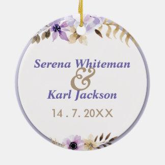 Violette lila Hand gezeichneter Blumenrahmen Keramik Ornament