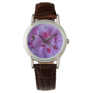 Violette rosa abstrakte Hibiskus-Blume Armbanduhr