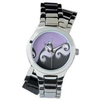 Violetter, weißer und schwarzer Fractal. Armbanduhr