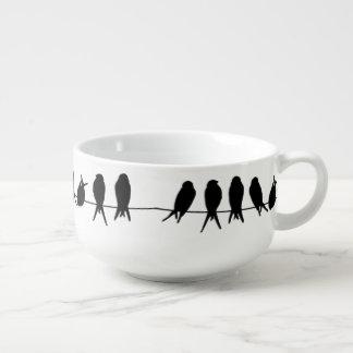 Vögel auf einem Draht auf editable Große Suppentasse