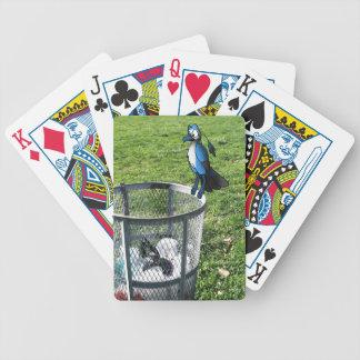 Vogel-Kreuzung auf Abfalleimer Poker Karten