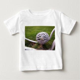 Vogel-Nest-Licht Baby T-shirt