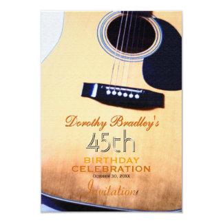 Volksgitarren-45. Geburtstags-Feier-Gewohnheit 8,9 X 12,7 Cm Einladungskarte