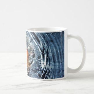Volle orange Wasser SpritzenTasse Kaffeetasse