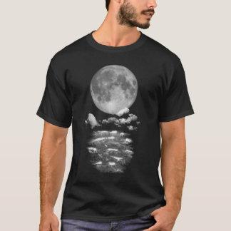 Vollmond über dem Ozean T-Shirt