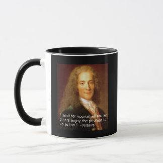 Voltaire Kopienzitat, das für selbst denkt Tasse