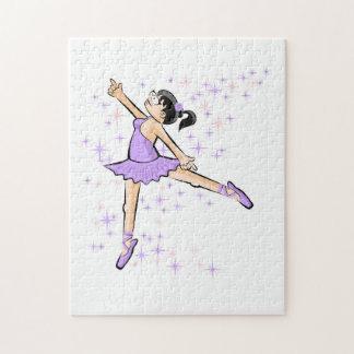 Von dem Lila kleidet Tänzerin des Balletts Puzzle