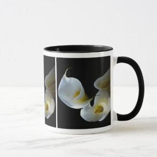 Von hinten beleuchtete Calla-Lilien-Tasse Tasse