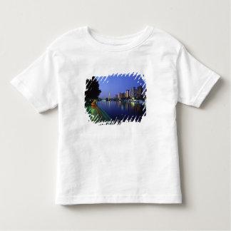 Vordere DU die Seine und Eiffelturm, Paris, Kleinkinder T-shirt