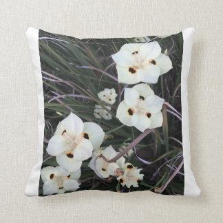 Vorzügliche weiße Blüte Kissen
