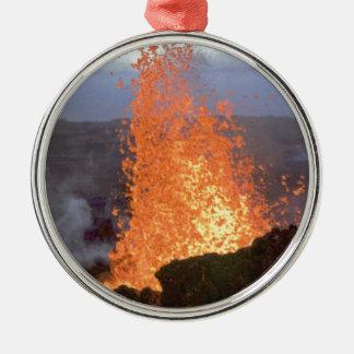 Vulkanexplosion von Lava Silbernes Ornament