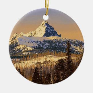 Vulkanische Spitze des fingrigen Jack-drei Rundes Keramik Ornament
