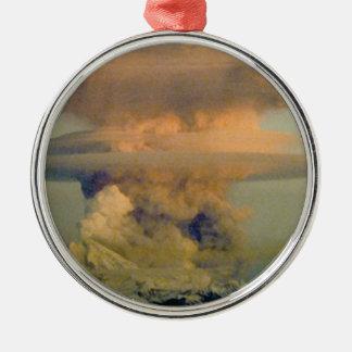 vulkanischer Boom Silbernes Ornament