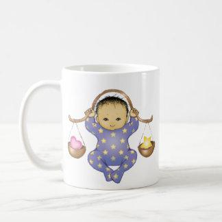 Waage-Astrologie-Baby - Mandelaugen - Kaffeetasse