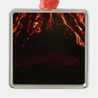 waagerecht ausgerichteter vulkanischer Kegel Silbernes Ornament