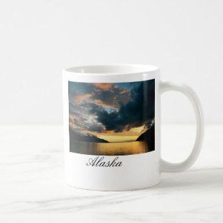 Wachen Sie nach Alaska auf Kaffeetasse