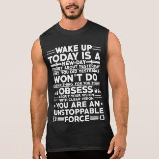 Wachen Sie Turnhallenmotivations-T - Shirt auf
