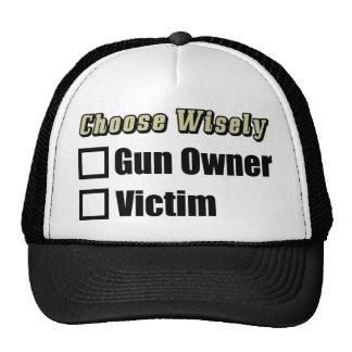 Waffenbesitzer oder Opfer? Baseball Mützen