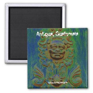 Wagentür, Antigua, Guatemala (Solarized) Quadratischer Magnet