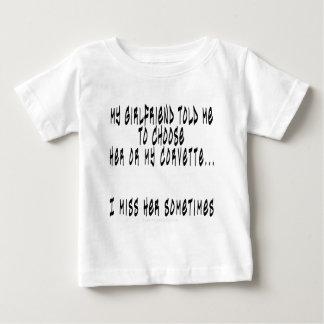 Wählen Sie Freundin oder Korvette Baby T-shirt
