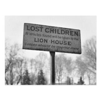 Wählen Sie oben verlorene Kinder am Löwe-Haus aus: Postkarten