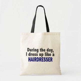 Während des Tages kleide ich oben wie ein Friseur Tragetasche