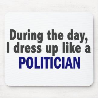 Während des Tages kleide ich oben wie ein Politike Mousepads