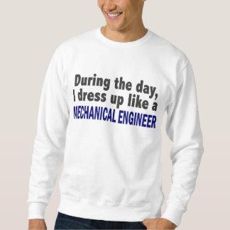 Während des Tages kleide ich oben wie Sweatshirt