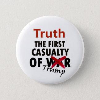 Wahrheit: Der erste Unfall des Trumpfs Runder Button 5,7 Cm