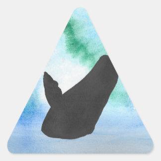 Wal mit Nordlichtern Dreieckiger Aufkleber