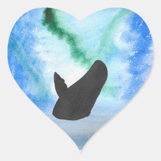 Wal mit Nordlichtern Herz-Aufkleber