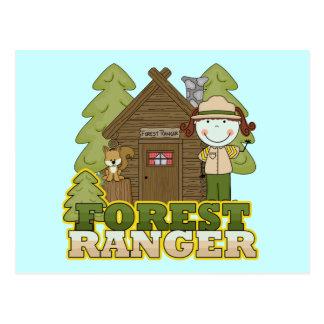 Waldförster - brünettes Mädchen Postkarte