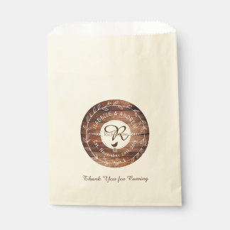 Waldhochzeits-Monogramm-hölzerner Geschenktütchen