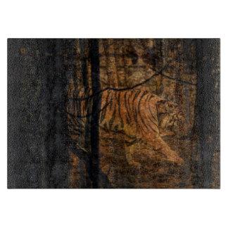 Waldwaldwild lebende tiere majestätischer wilder schneidebrett
