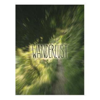 Wanderlust, der grüne Waldweg-Radialunschärfe Postkarte