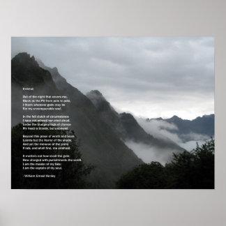 Wandern im Wolken Invictus Gedichtplakat Poster