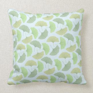 Wanderndes grünes Ginkgo-Kissen Kissen