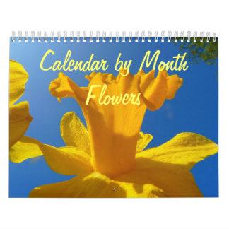 Wandkalender bis zum Monat mit Blumen