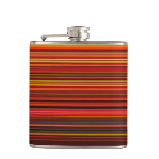Warme Farben - modische Art - Streifen-Muster Flachmann