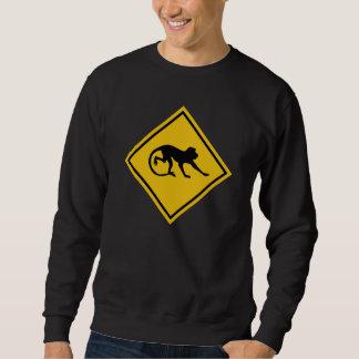 Warnende Macaques, Verkehrszeichen, Malaysia Sweatshirt