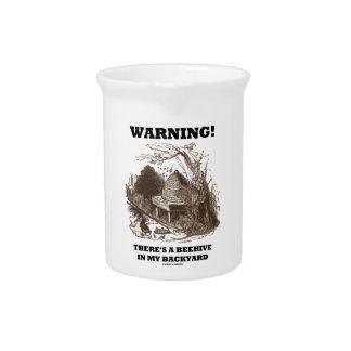 Warnung! Es gibt einen Bienenstock in meinem Getränke Pitcher