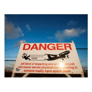 Warnzeichen nahe Flughafen St. Maarten, Postkarte
