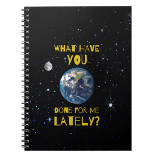 Was Sie kürzlich getan für Erde haben Notizblock