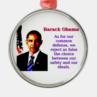 Was unsere allgemeine Verteidigung anbetrifft - Rundes Silberfarbenes Ornament